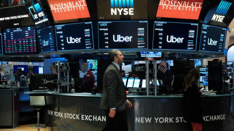 Logotipo da Uber é mostrado na Bolsa de Nova York