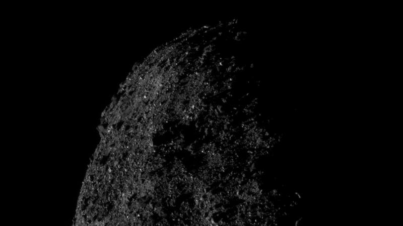 A nave espacial OSIRIS-REx da NASA tirou fotos impressionantes do asteroid Bennu a apenas 690 metros de distância