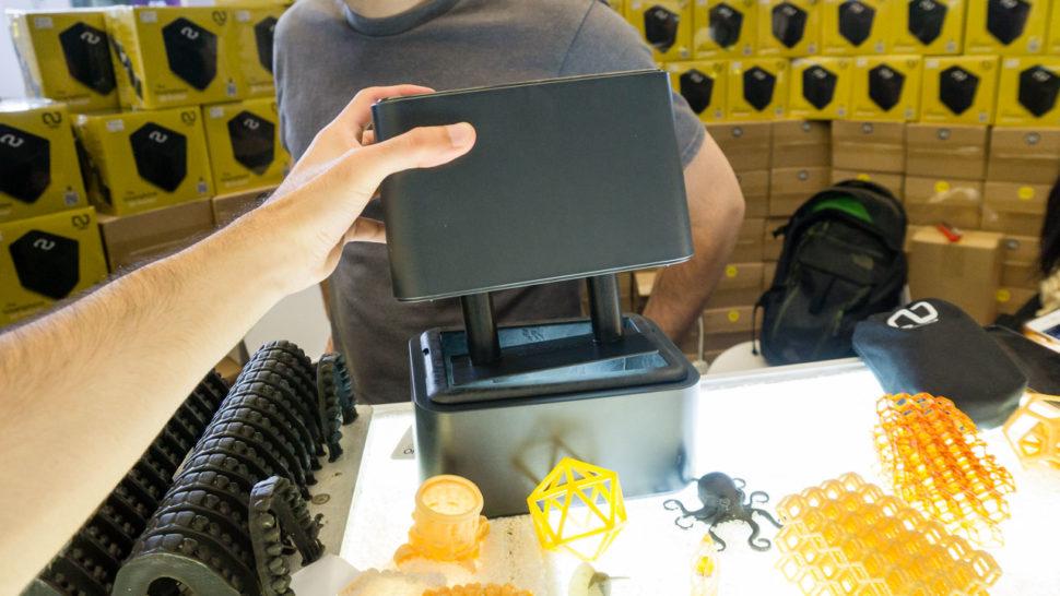 Impressora ONO 3D semi-aberta