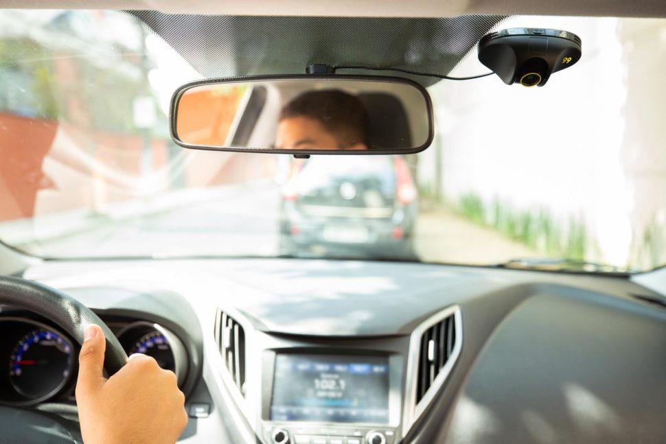 Câmera de segurança em carro da 99