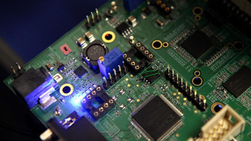 Fabricantes de chips chineses dizem que não é possível atingir metas impostas pelo Estado sem tecnologia americana