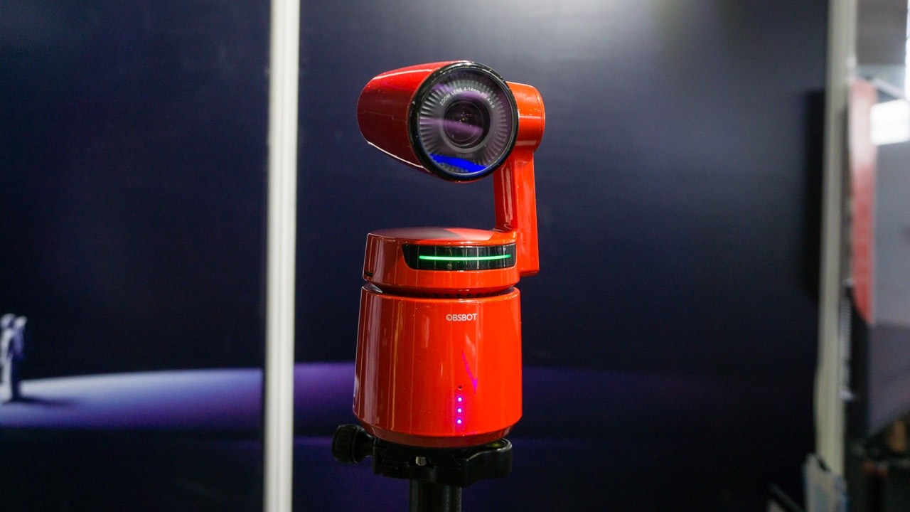 Câmera OSBOT Tail usa inteligência artificial para seguir pessoa