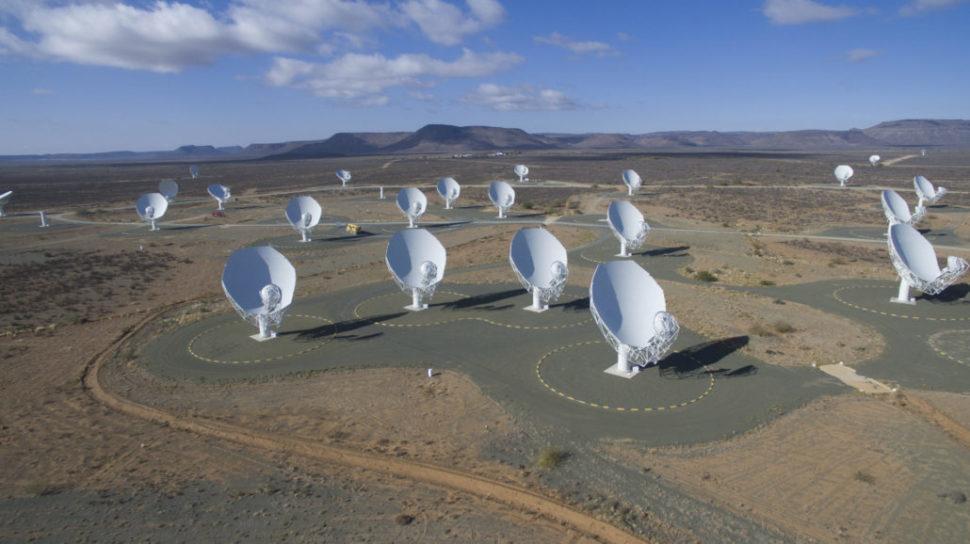 Radiotelescópio Meerkat na África do Sul