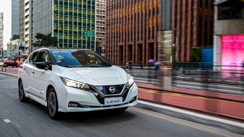 "Nissan Leaf: carro elétrico tem ""piloto automático"" para trânsito chato e custa R$ 195 mil"