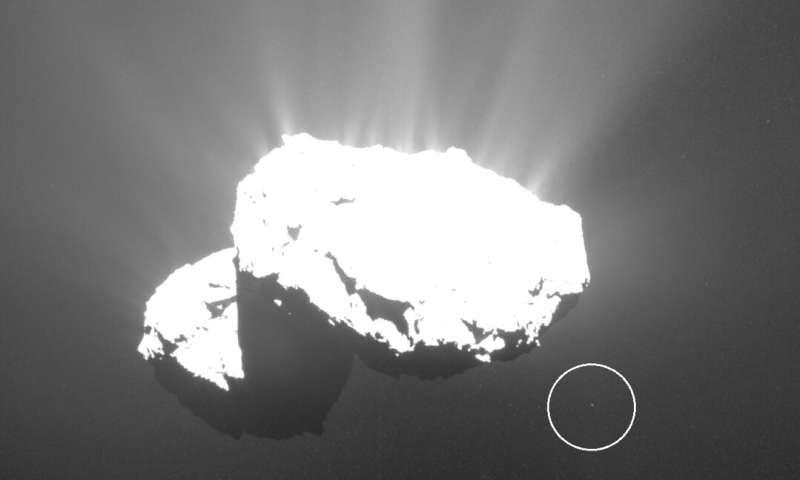 Astrofotógrafo descobre um objeto minúsculo orbitando o famoso cometa 67P