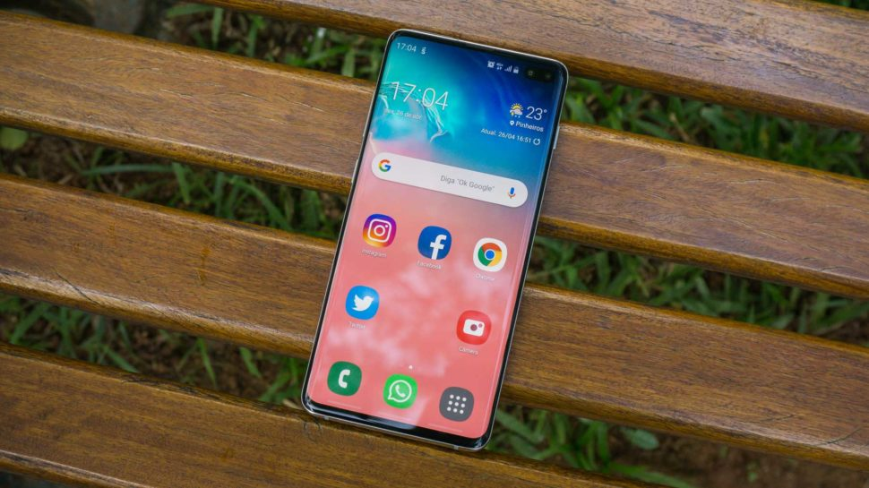Frente do smartphone Galaxy S10 Plus