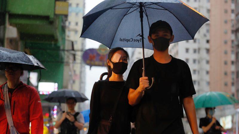 Facebook e Twitter removem contas falsas, criadas pelo governo chinês, que difamavam manifestantes em Hong Kong