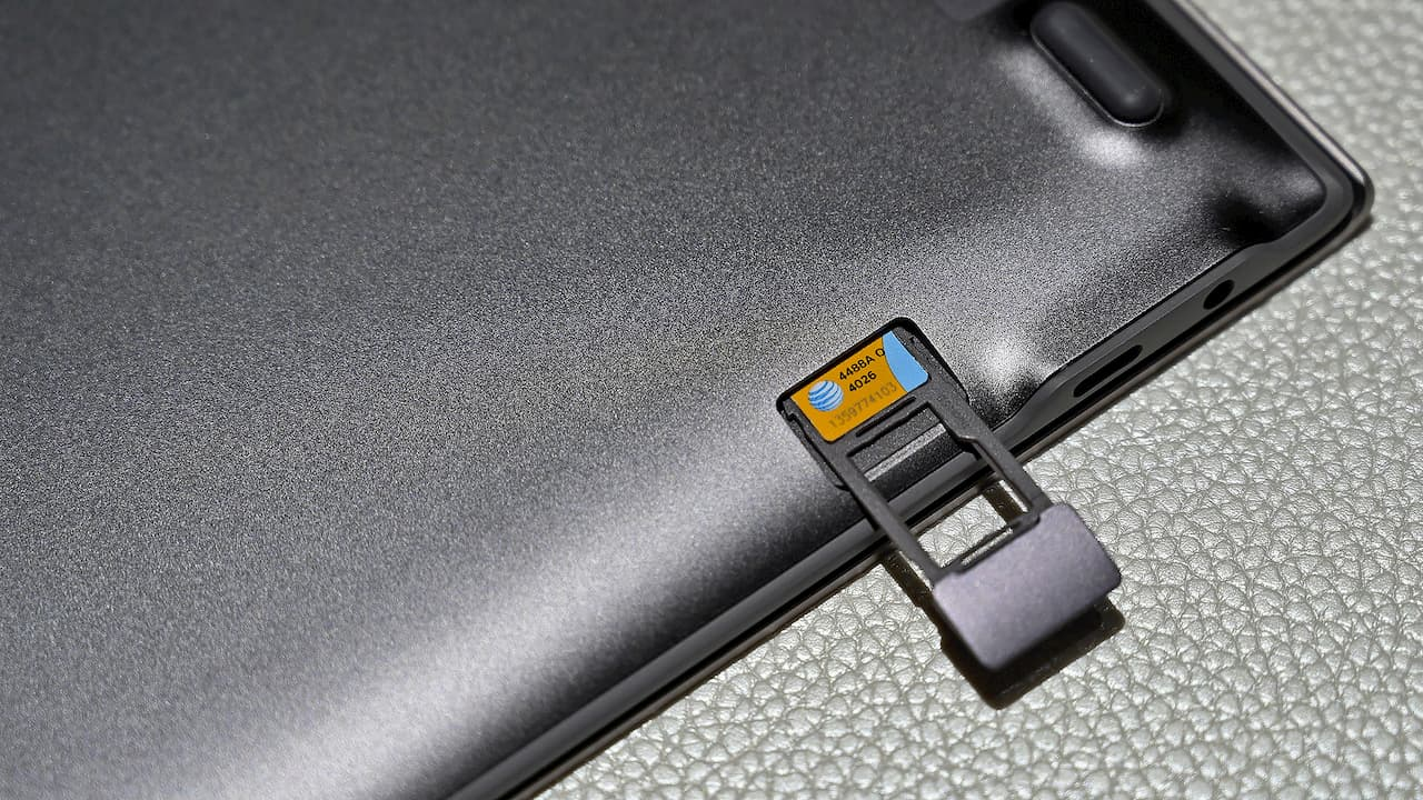 Samsung Galaxy Book S possui slot para cartão SIM e suporte ao 4G