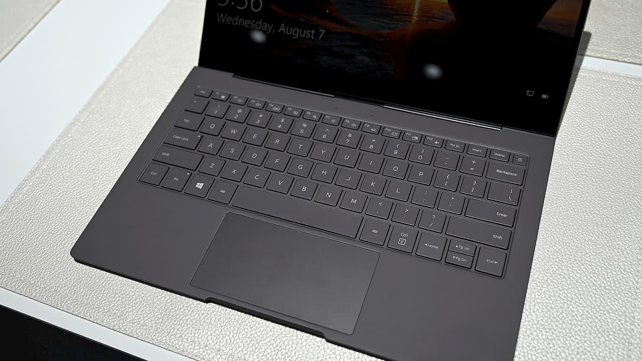 Detalhe do teclado do Samsung Galaxy Book S