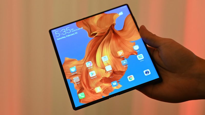Huawei adia novamente o lançamento do Mate X, tornando os telefones dobráveis um sonho cada vez mais distante