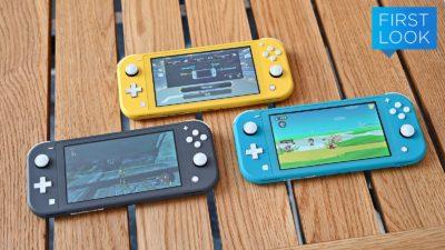 Console Nintendo Switch Lite em três cores: preto, amarelo e azul