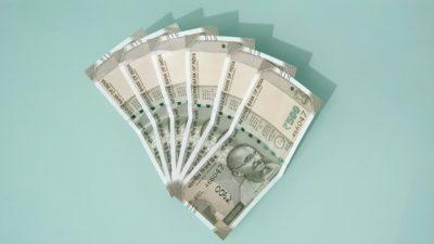 Notas de rúpias, moeda da Índia.