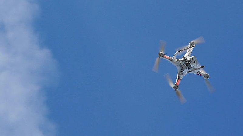 Homem é acusado de usar drone para jogar explosivos sobre a casa da ex-namorada