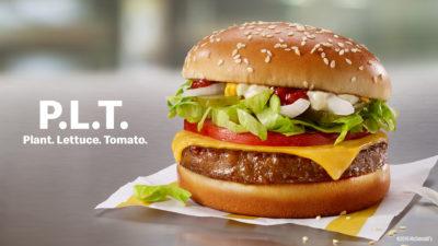 Sanduíche PLT, do McDonald's, com hambúguer de proteína vegetal