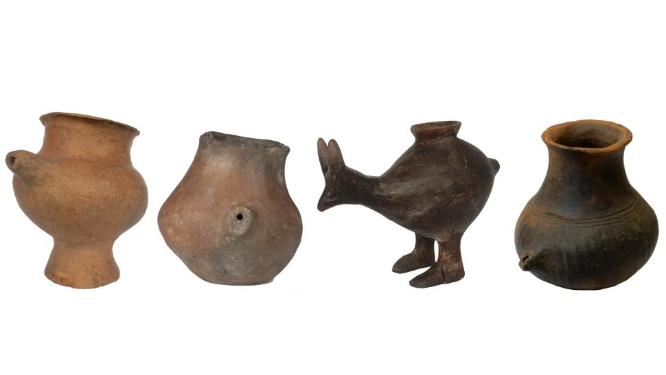 Uma seleção de vasos da Idade do Bronze