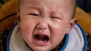 Companhias aéreas no Japão mostram assentos com bebês em voos