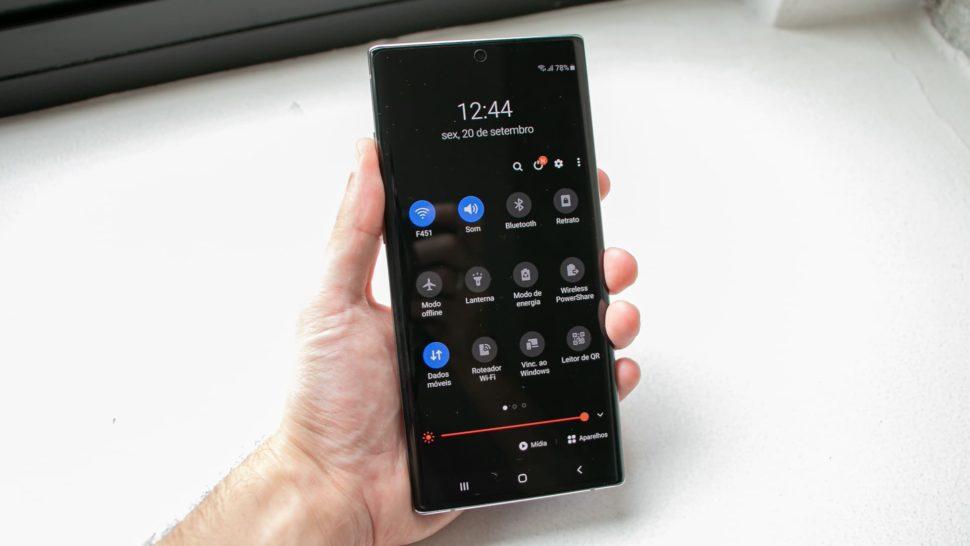 Modo noturno do Galaxy Note 10+ com a interface One UI