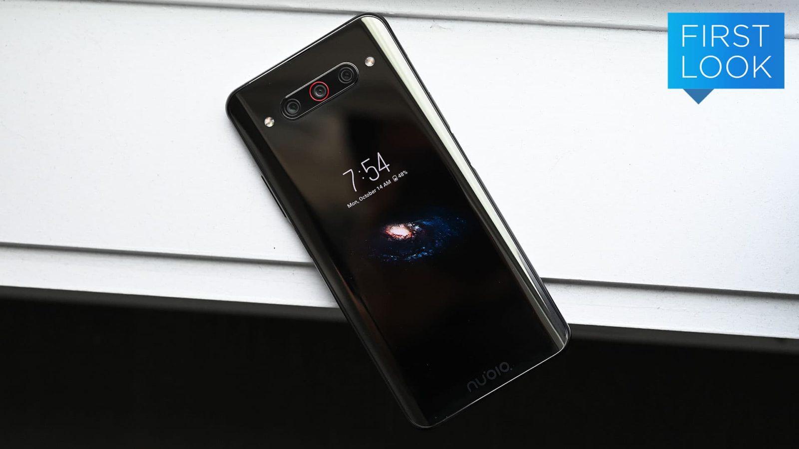 A tela dupla do smartphone Nubia Z20 é ótima para selfies, mas tem limitações