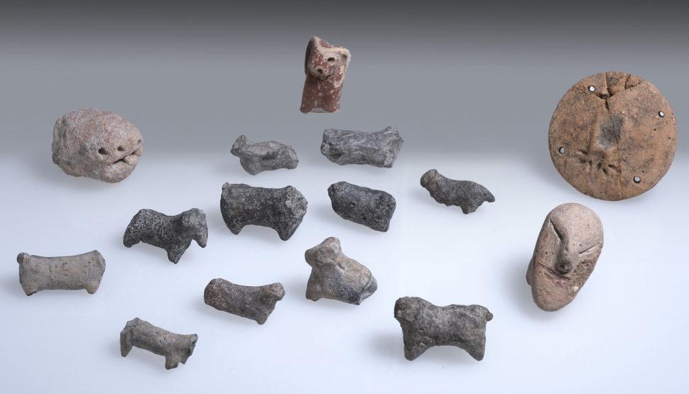 Artefatos encontrados na cidade de En Esur em Israel
