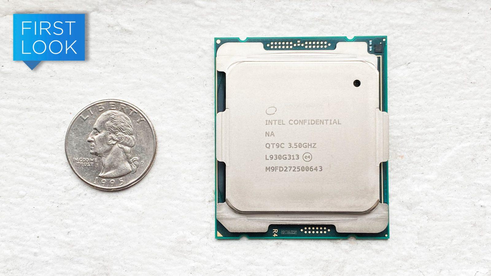 Novo processador Xeon da Intel comparado com uma moeda
