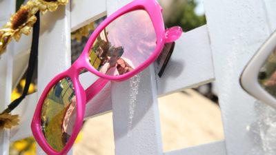 Óculos de plástico exposto