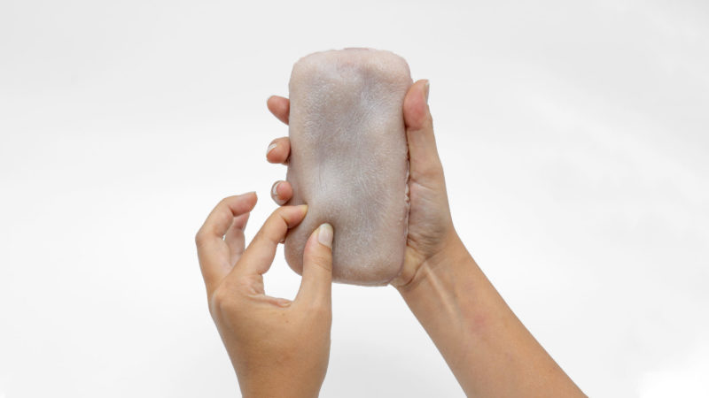 Pesquisadores desenvolvem pele artificial para que seu smartphone sinta você