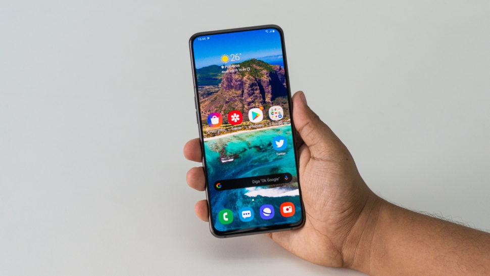 Samsung Galaxy A80 de frente