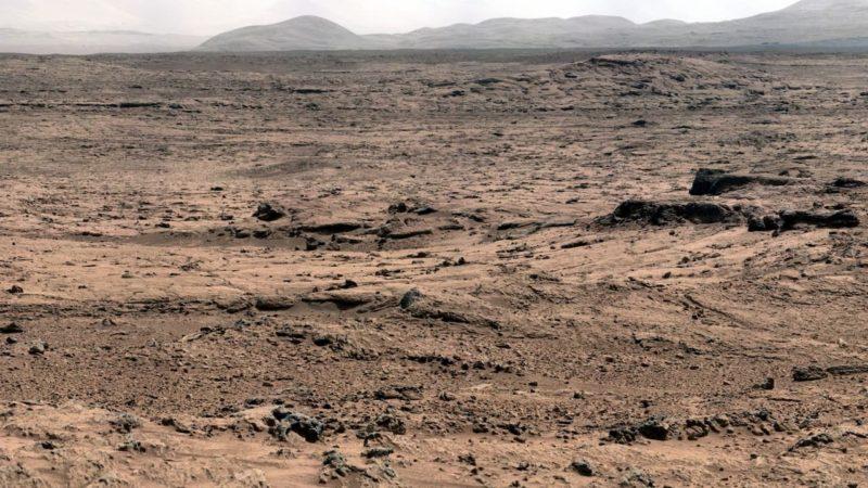 Cratera Gale, em imagem via Curiosity