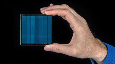Pedaço de vidro do Project Silica, da Microsoft