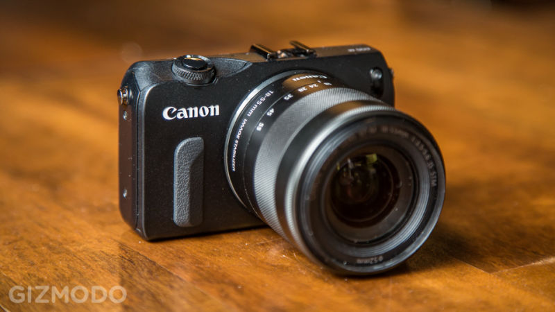 Câmera mirrorless Canon EOS M