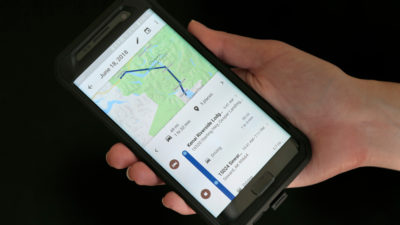 Smartphone com Google Maps