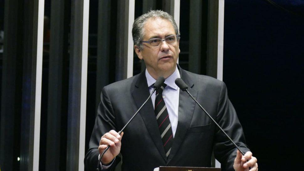 Deputado Carlos Zarattini no Plenário do Congresso