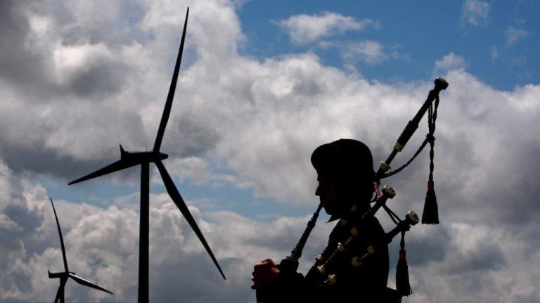 escocia turbina eolica getty 1 768x431 - Escócia deve alcançar 100% de energias renováveis até o fim de 2020