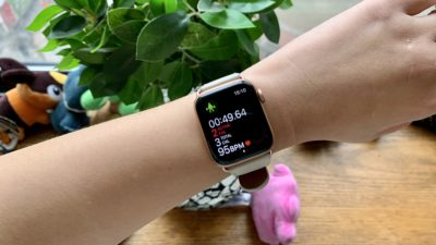Relógio Apple Watch 5 no pulso