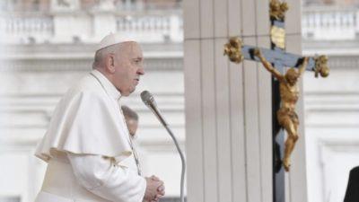 Papa Francisco durante celebração no Vaticano