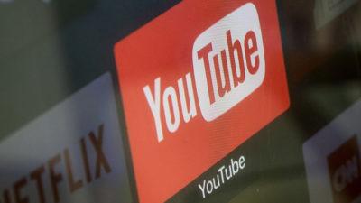 Logotipo do YouTube visto em SmarTV