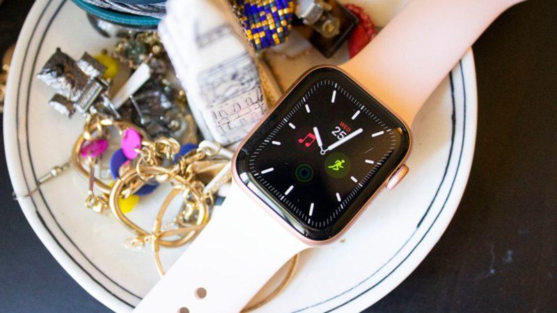 Apple Watch Series 5. Crédito: Victoria Song/Gizmodo