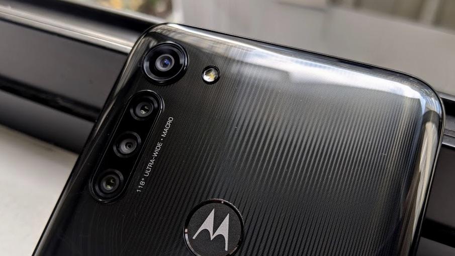 Detalhe da câmera do Moto G8 Power
