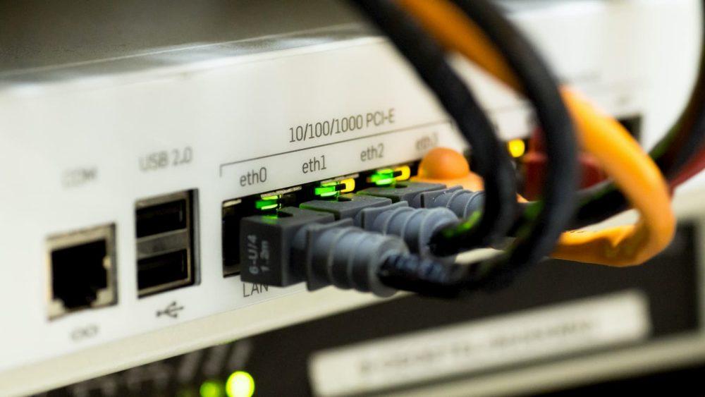 Para atacar a China, administração Trump quer isolar internet dos EUA do jeito que a China faz