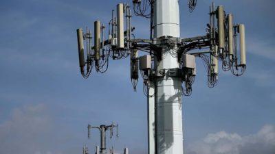 Antena de telecomunicação