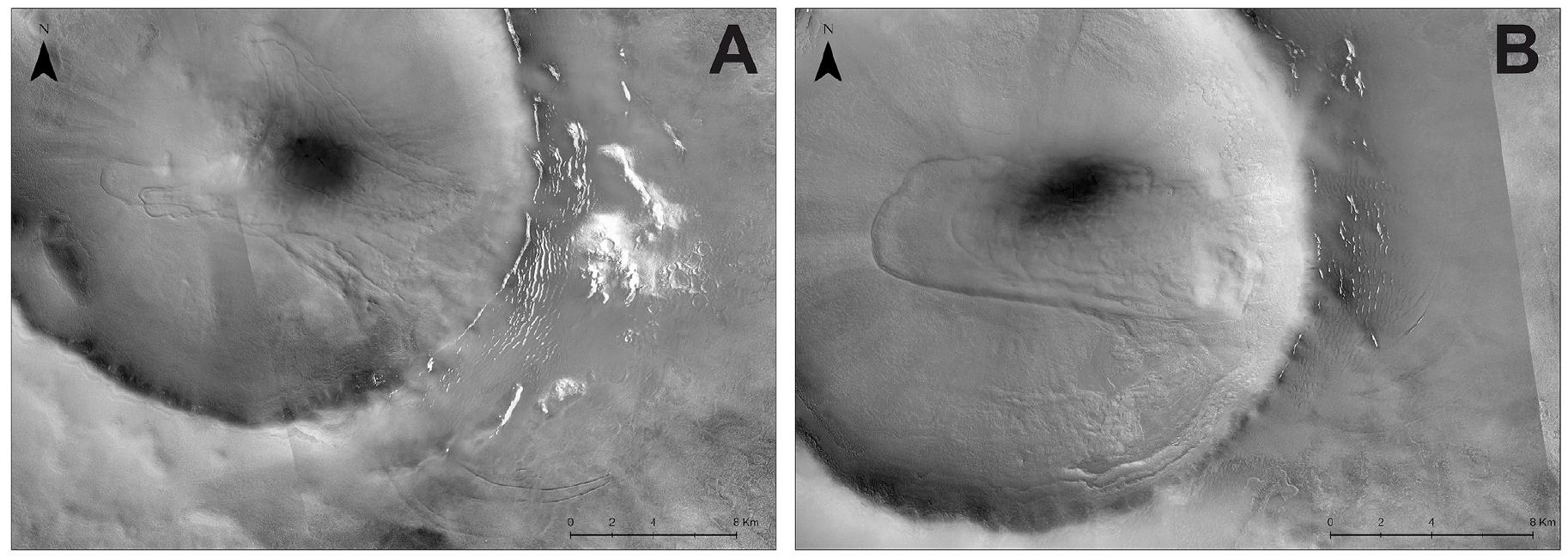 As duas crateras que contêm as cristas parecidas com a morena. Pensa-se que o gelo em colapso tenha caído da direita para a esquerda, começando perto das encostas externas das crateras de impacto. Crédito: NASA/Planetary and Space Science