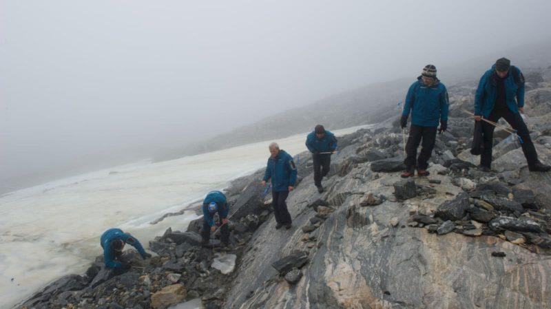 Arqueólogos realizam trabalho de campo em Lendbreen, Noruega
