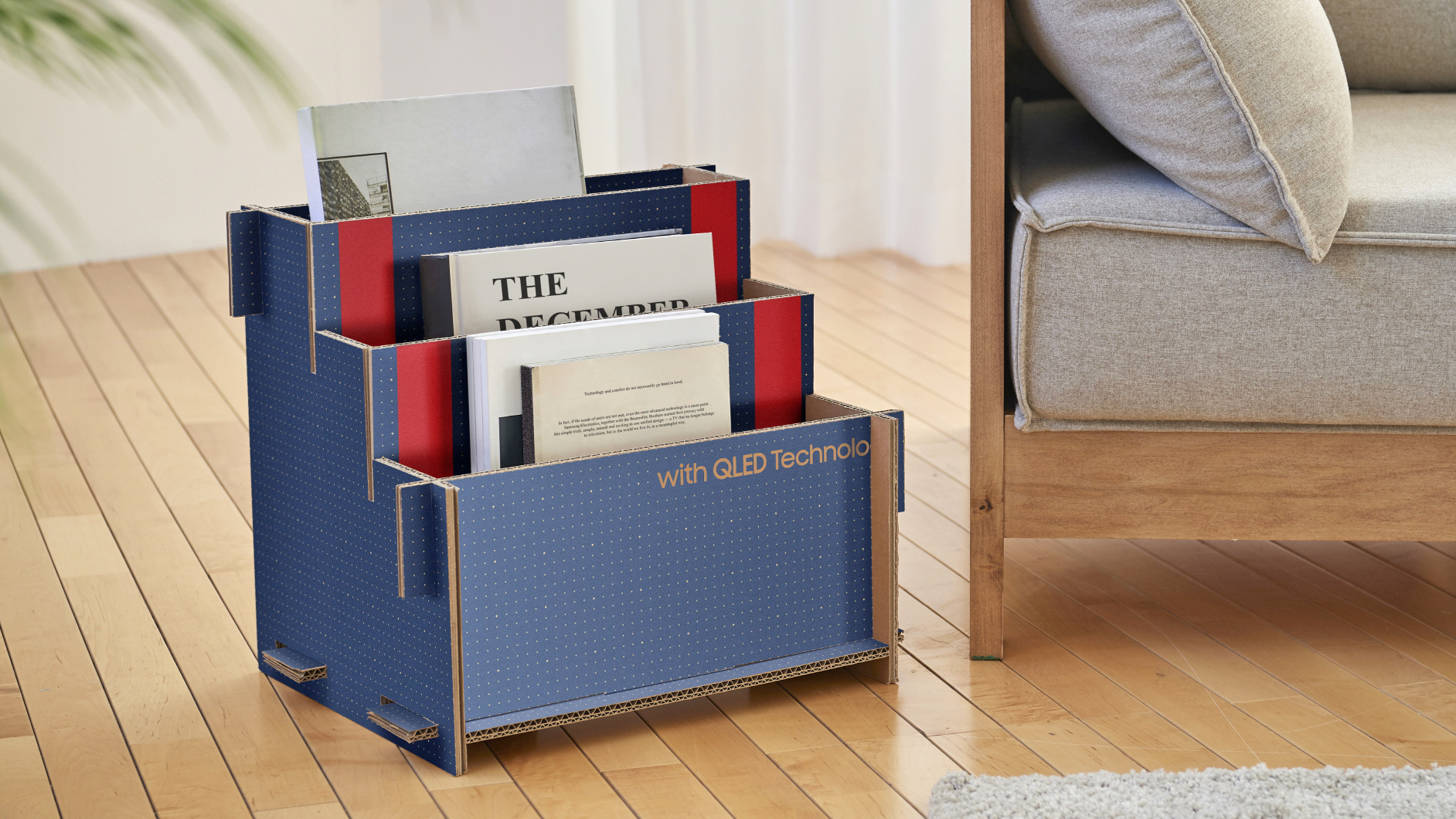Porta-revista com caixa de TV da Samsung. Crédito: Samsung
