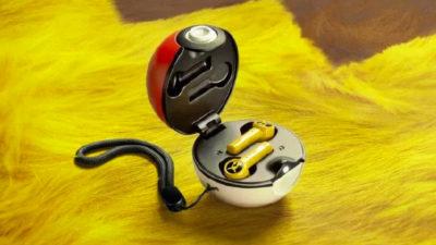 Fones de ouvido Razer do Pikachu com case de pokébola