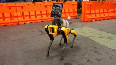 Robô Spot com um iPad