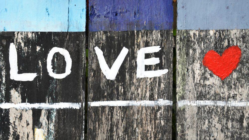 Dia dos Namorados: games, câmeras, fones e mais para você dar de presente
