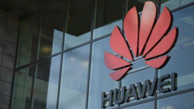 Fachada com logo da Huawei