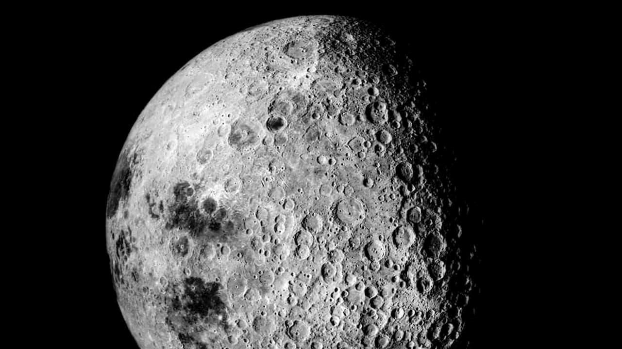 Urina humana pode ser útil para fazer concreto na Lua, segundo agência espacial europeia