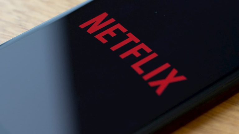netflix getty 768x433 - Netflix vai notificar e até cancelar assinatura de quem não usa o serviço há mais de um ano