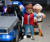 Não custa lembrar que os bonecos de Playmobil tem mobilidade limitada